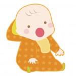 フード付きの服を着る赤ちゃん